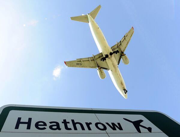 Великобритания открыла воздушное пространство
