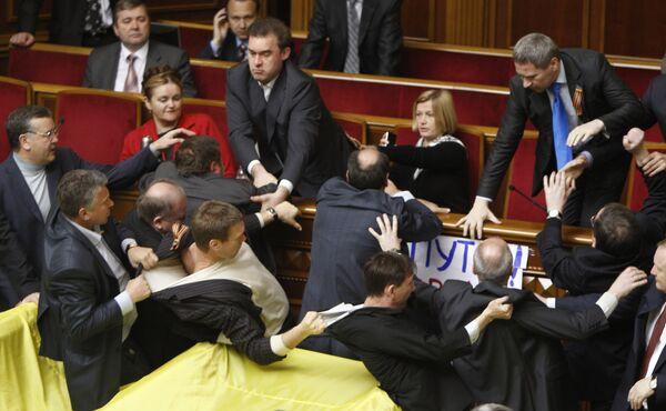 Скандал в Верховной Раде при обсуждении вопроса о ЧФ РФ