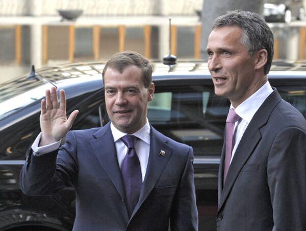 Президент России Д.Медведев и премьер-министр Норвегии Й.Столтенберг. Архив.