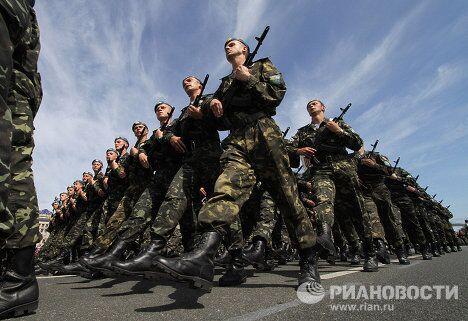 Генеральная репетиция соместного парада войск по случаю 65-й годовщины Победы в Киеве