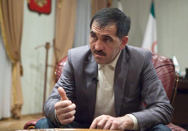 Президент Ингушетии Юнус-Бек Евкуров во время интервью журналистам