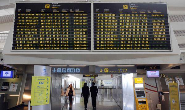 Испания закрывает аэропорты из-за облака вулканического пепла