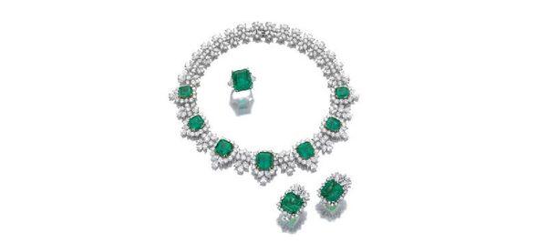 Бриллианты, выставленные на торги аукционным домом Сотбис (один из лотов аукциона)