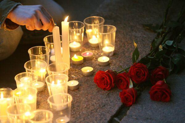 Цветы и свечи. Архив