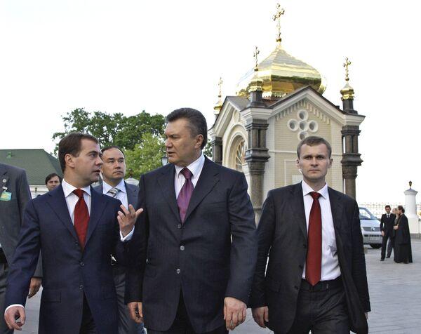 Д.Медведев и В.Янукович посетили храм Киево-Печерской лавры
