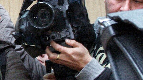 Неизвестные избили оператора Рен-ТВ и отобрали у него видеокамеру