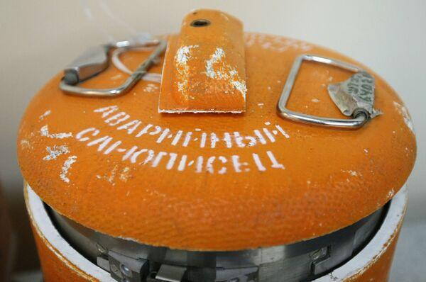 Бортовые самописцы польского самолета Ту-154М, разбившегося 10 апреля под Смоленском. Архив