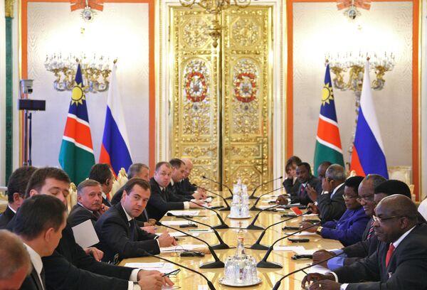 Президенты РФ и Намибии Дмитрий Медведев и Хификепунье Похамба