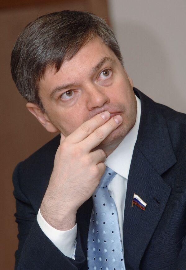 Председатель комитета Госдумы по транспорту Сергей Шишкарев. Архив
