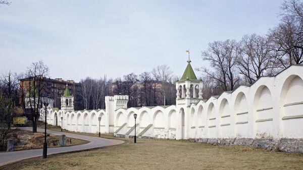 Крепостная стена Николо-Угрешского монастыря