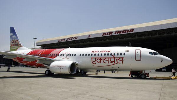 Самолет авиакомпании Air India Express Boeing 737-800