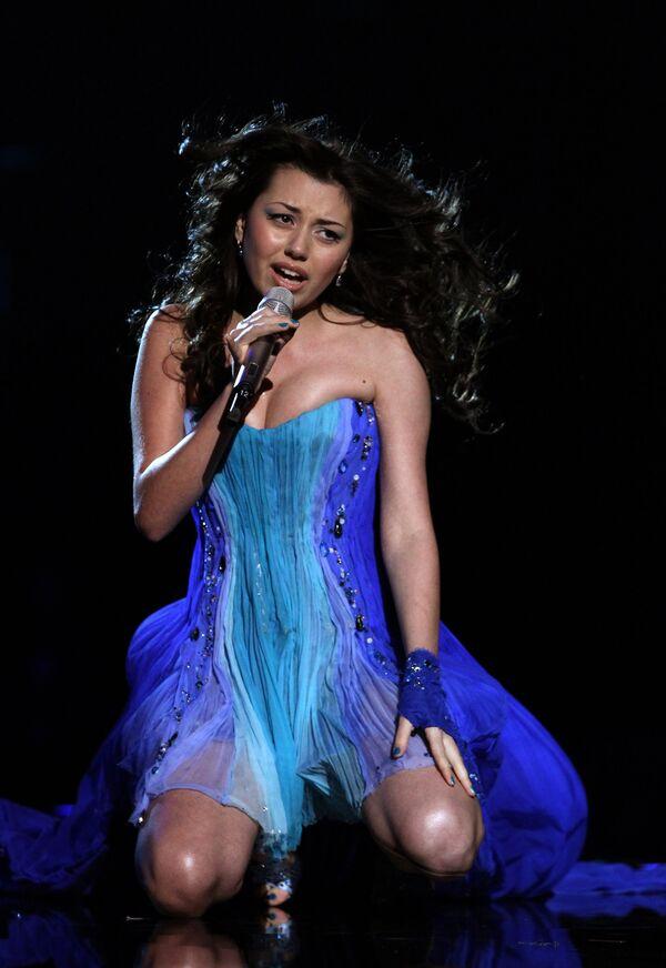 Участница Евровидения-2010 от Азербайджана певица Сафура. Архив
