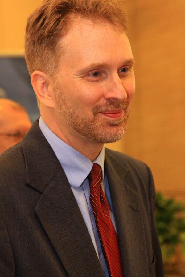 Глава отдела по усыновлениям управления госдепартамента США по вопросам прав ребенка Уильям Бистрански