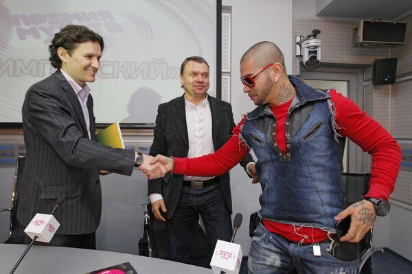 Генеральный директор Муз-ТВ Андрей Димитров, генеральный продюсер Муз-ТВ Игорь Мишин и певец Тимати (слева направо)