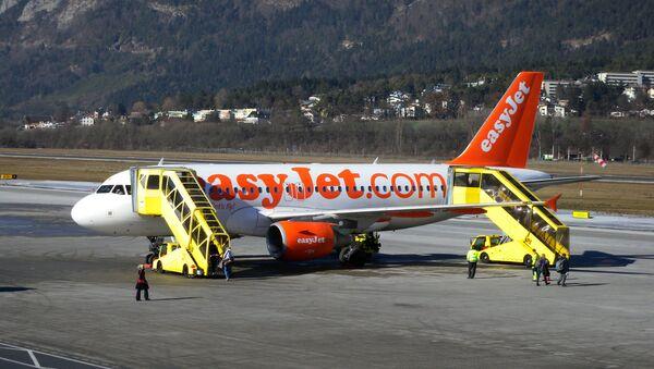 Самолет низкобюджетной авиакомпании easyJet. Архивное фото