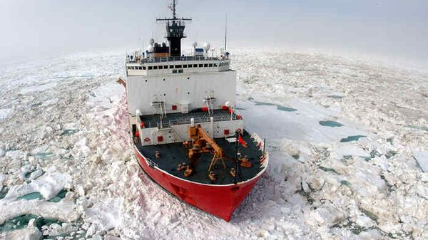 Американский ледокол в Арктике