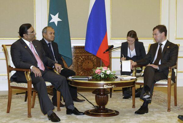 Президенты России и Пакистана Д.Медведев и А.Зардари