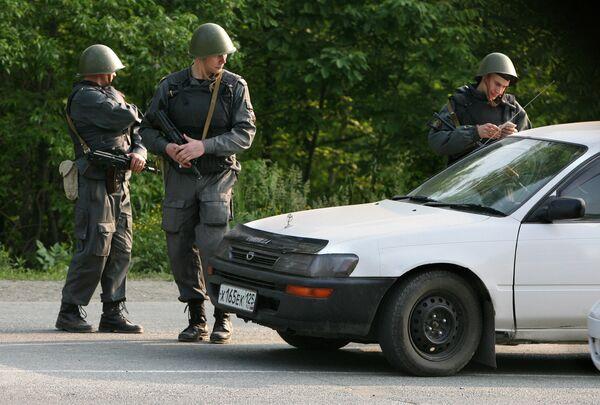 Минувшая неделя в ЖЖ прошла под знаком так называемых приморских партизан - вооруженной группировки, которая совершила несколько нападений на милиционеров, а затем была блокирована и частично уничтожена, частично арестована
