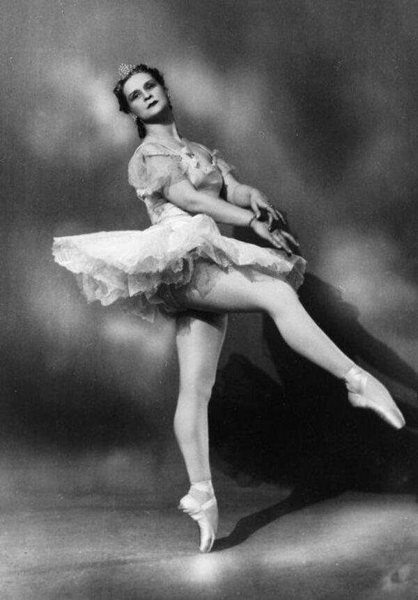 Марина Семенова в роли Авроры в балете П.И.Чайковского Спящая красавица. Архив