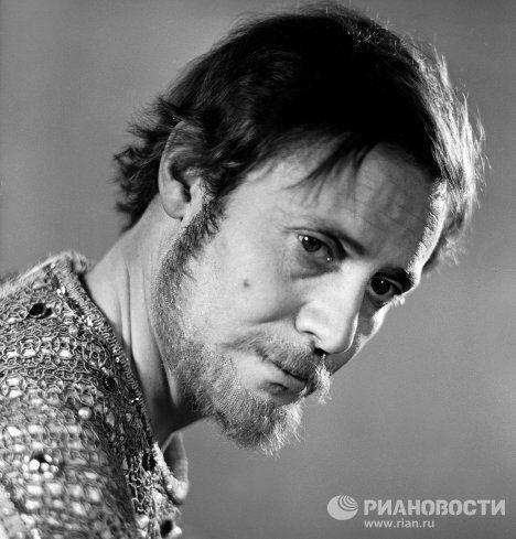 Юрий Соломин в роли царя Федора