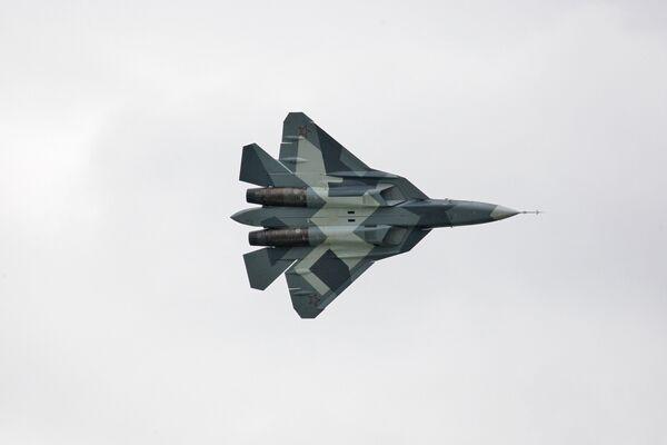 Новый боевой самолет пятого поколения Т-50 разработки компании Сухой. Архив.