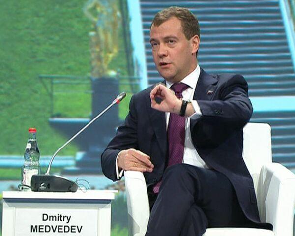 Мы снизили инфляцию в России до 8-9% - Медведев
