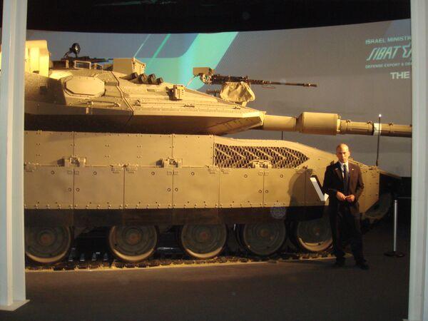 Новейший израильский танк Меркава-4 на выставке Eurosatory в Париже