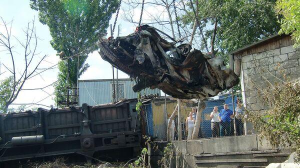 Столкновение автомобиля с товарным поездом