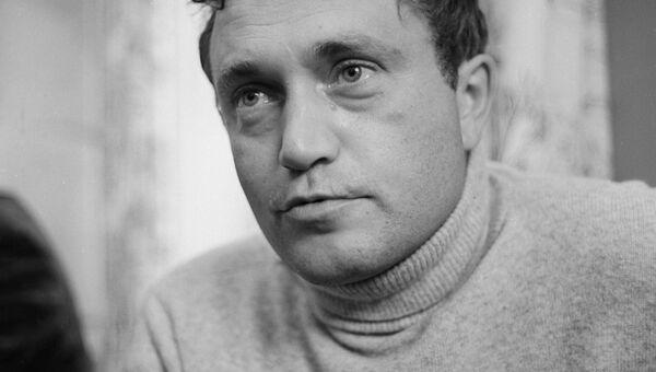 Писатель Василий Павлович Аксенов