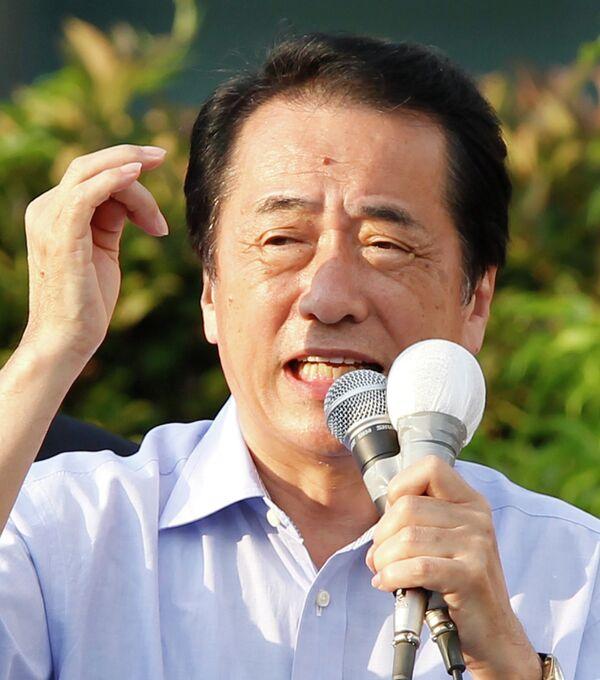 Премьер-министр Японии Наото Кан выступает с речью перед выборами в Японии 11 июля 2010