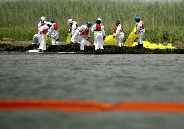Работы по ликвидации последствий разлива нефти в Мексиканском заливе