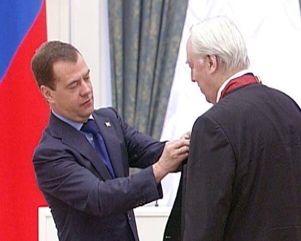 Медведеву ученые указали направления для инноваций