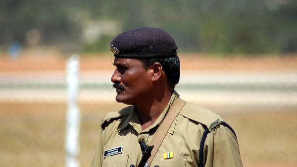 Полицейский в Индии. Архивное фото
