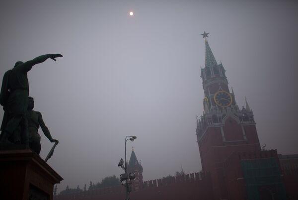 Москва в дыму от лесных пожаров