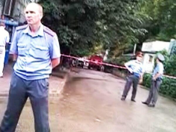 Милиция оцепила место взрыва в центре Пятигорска. Видео очевидца