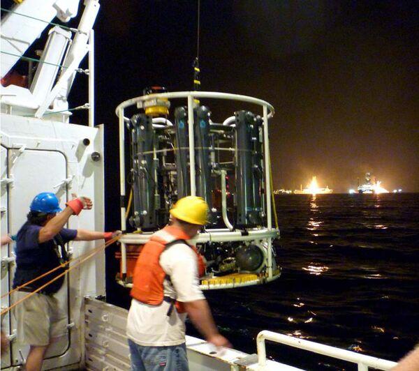Ученые исследуют шлейф углеводородов в водах Мексиканского залива у побережья США