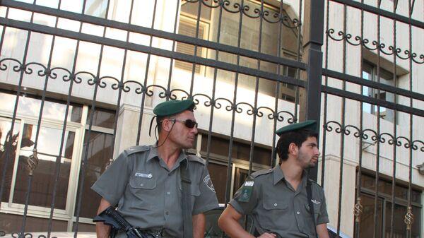 Полиция Израиля возле посольства РФ в Тель-Авиве