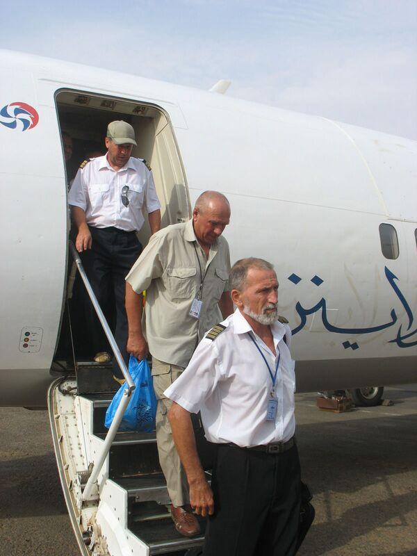 Российские летчики, побывавшие в плену в Южном Дарфуре, прилетели в Хартум