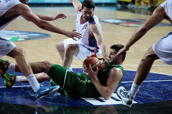 Игровой момент матча Литва - Сербия