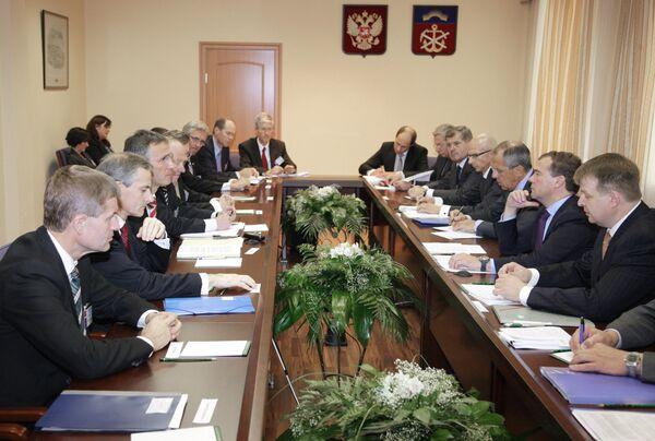 Встреча президента РФ Дмитрия Медведева и премьер-министра Норвегии Йенса Столтенберга в Мурманске