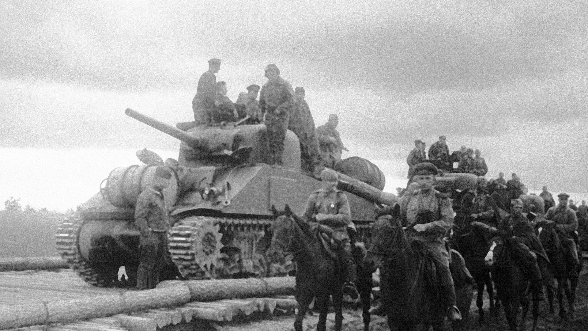 На марше части Юго-Западного фронта - РИА Новости, 1920, 21.08.2020
