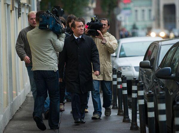 Российские чиновники в столичной подземке и на улицах города
