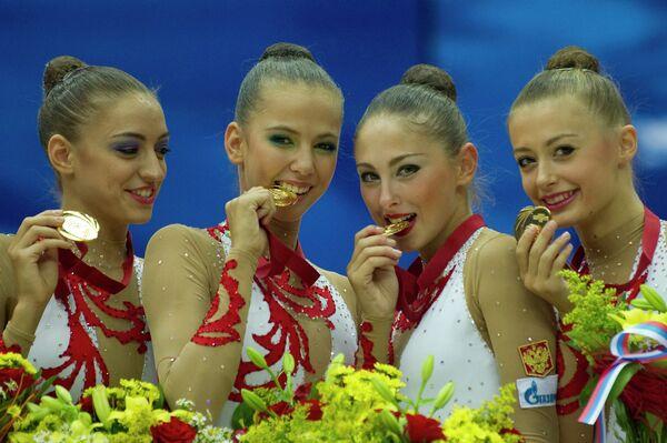 Евгения Канаева, Дарья Дмитриева, Дарья Кондакова и Яна Луконина (слева направо)