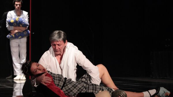 Предпремьерный показ спектакля Турандот в постановке Константина Богомолова