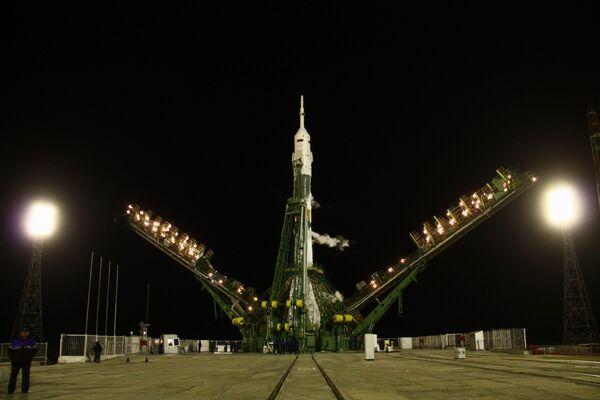 Запуск космического корабля Союз ТМА-М с российско-американским экипажем на борту