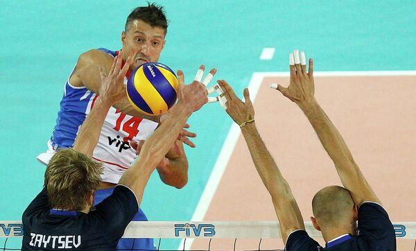 Игровой момент матча Сербия - Италия