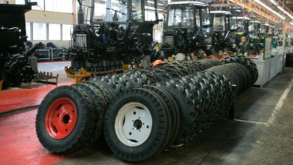 В цехе Минского тракторного завода. Архивное фото