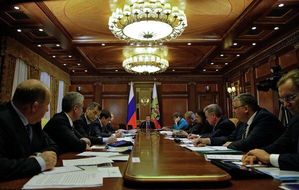 Президент РФ Д.Медведев провел совещание по дорожнму движению в Москве