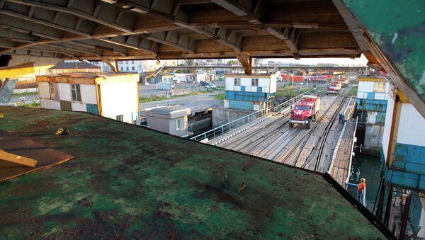 Паромное сообщение по перевозке грузов между портами Холмск (Сахалин) и Ванино (Хабаровский край)