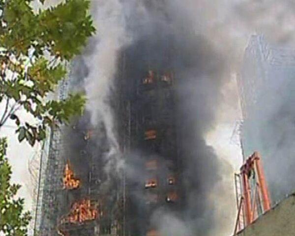Небоскреб в Шанхае выгорел дотла за несколько часов